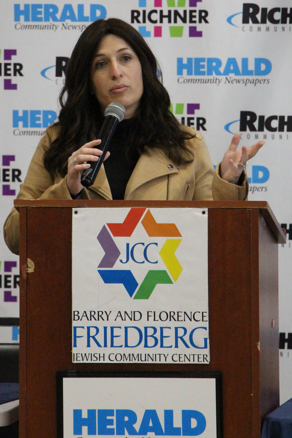 Dr. Esther Fogel, of Comprehensive Audiology, spoke about hearing health.