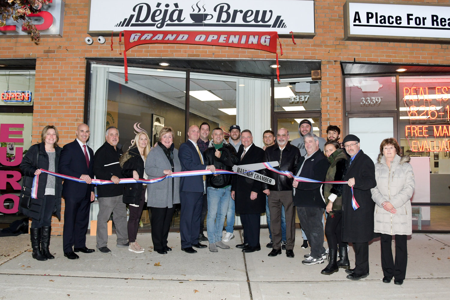 The Wantagh Chamber of Commerce hosted a ribbon cutting on Nov. 20 for the grand opening of Richard Polo Jr.'s Deja Brew.