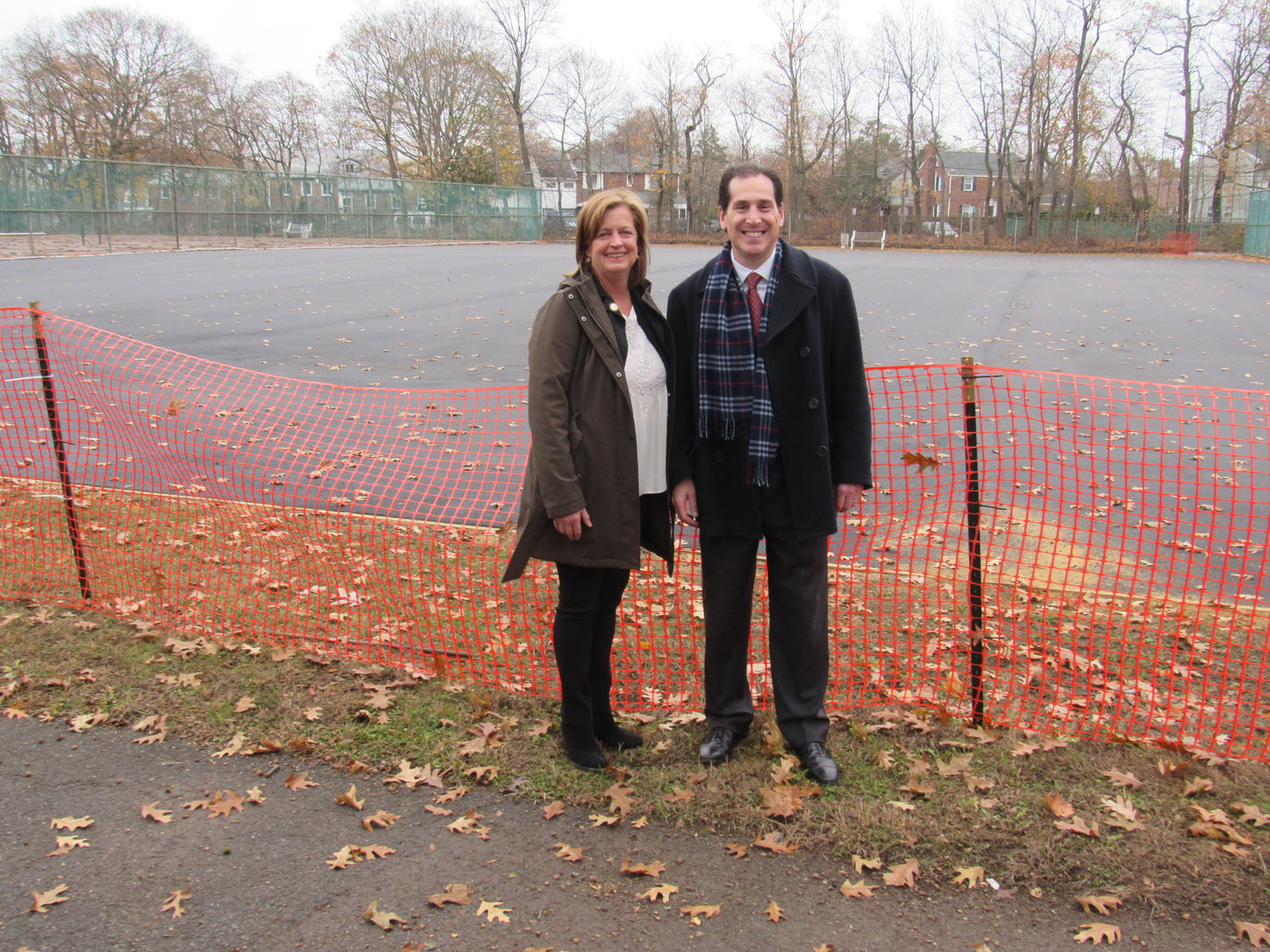 State Assemblywoman Judy Griffin and State Sen. Todd Kaminsky urged the state's Office of Parks, Recreation and Historic Preservation to repair the tennis courts at Hempstead Lake State Park.