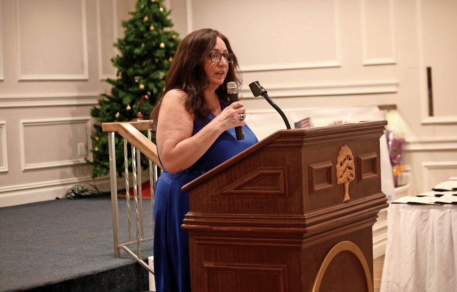 Incoming President Lisa DelliPizzi spoke at the dinner.