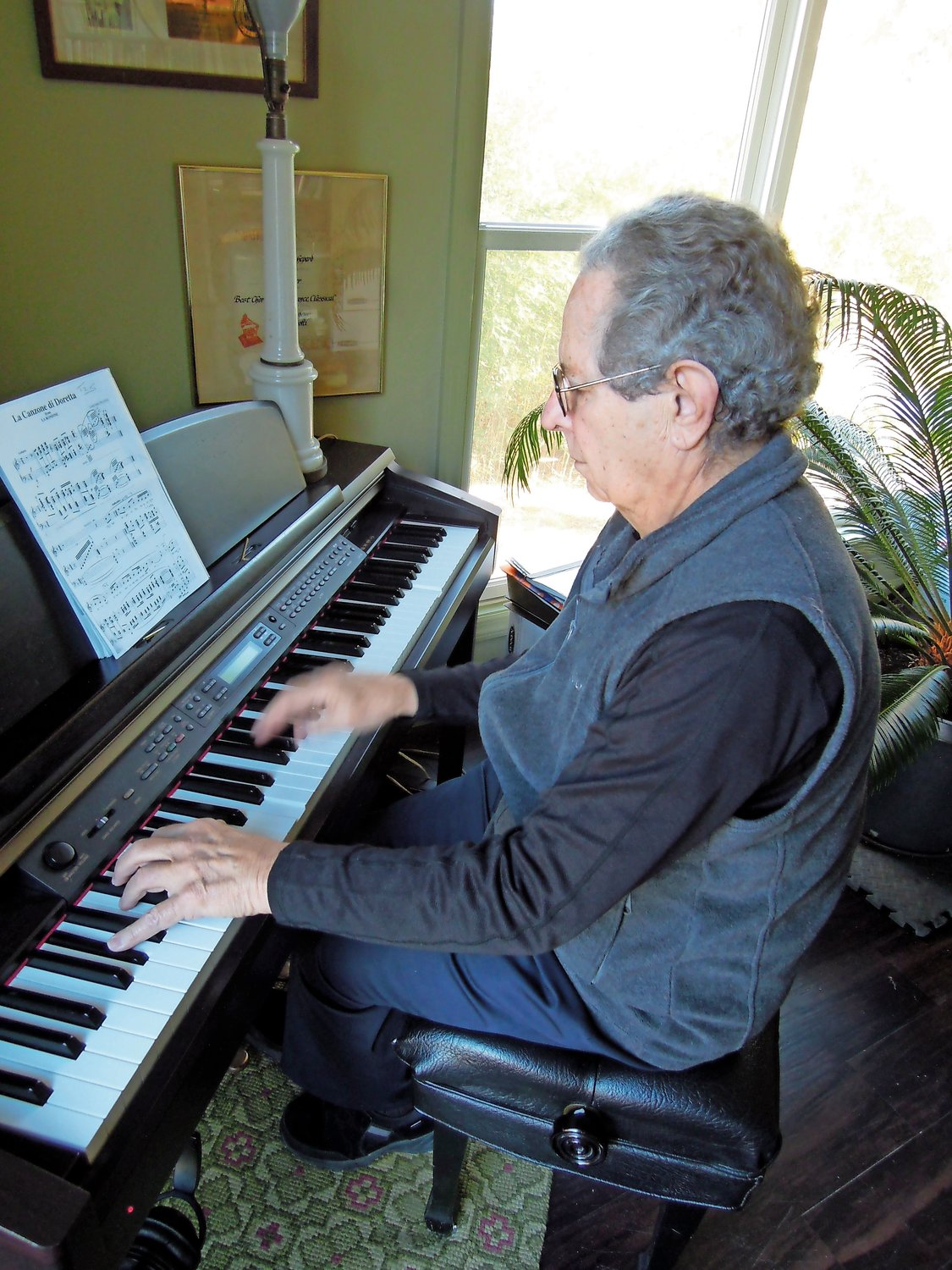 Shepard played Beethoven and reminsced about his 60-year career.