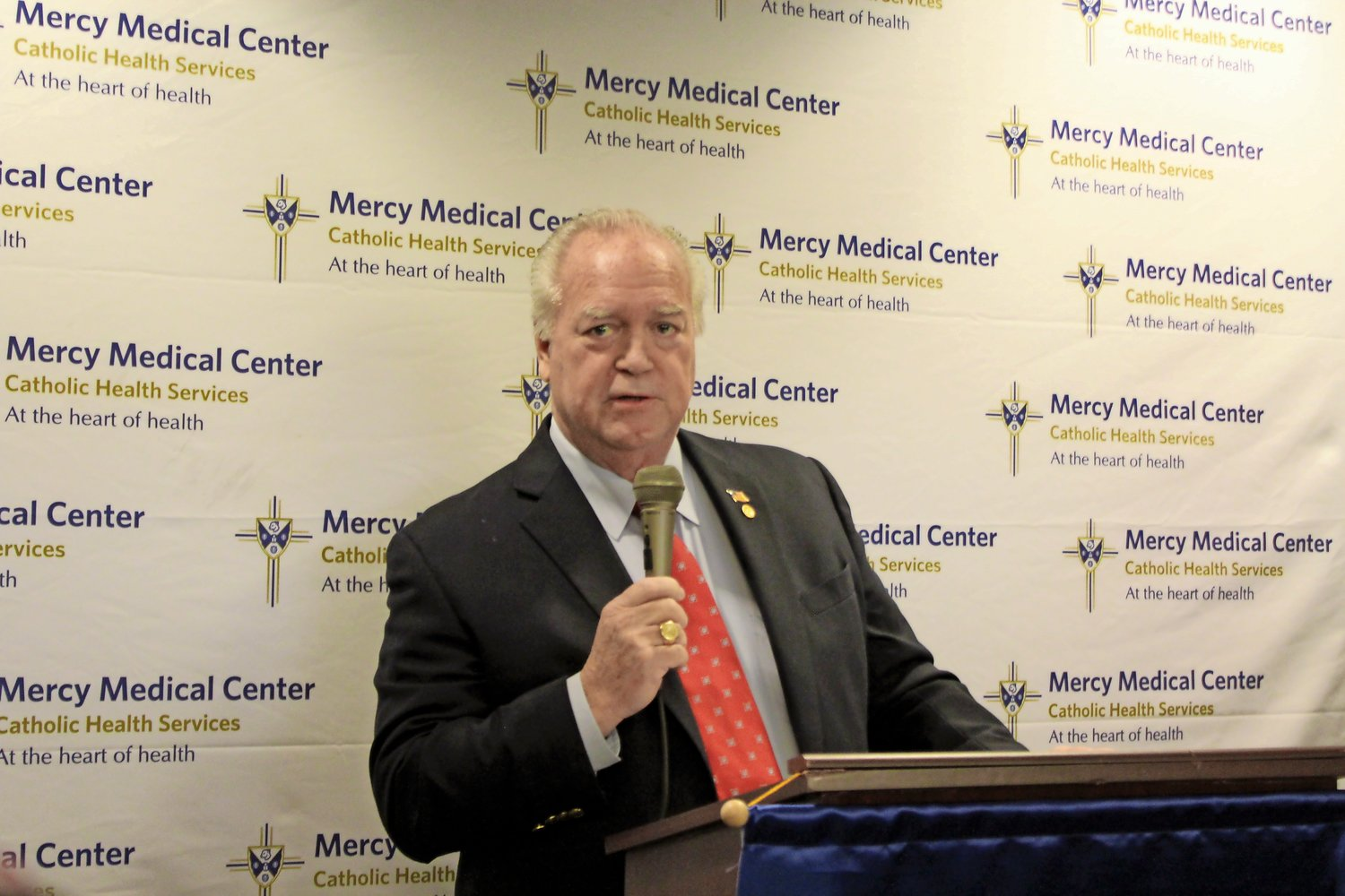 Andy Healey, of Rockville Centre, spoke about his cancer care at Mercy's CHS Cancer Institute.