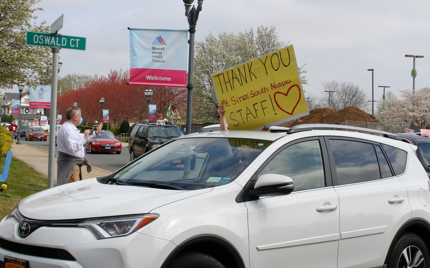 Many of the passengers held signs voicing their support and gratitude.