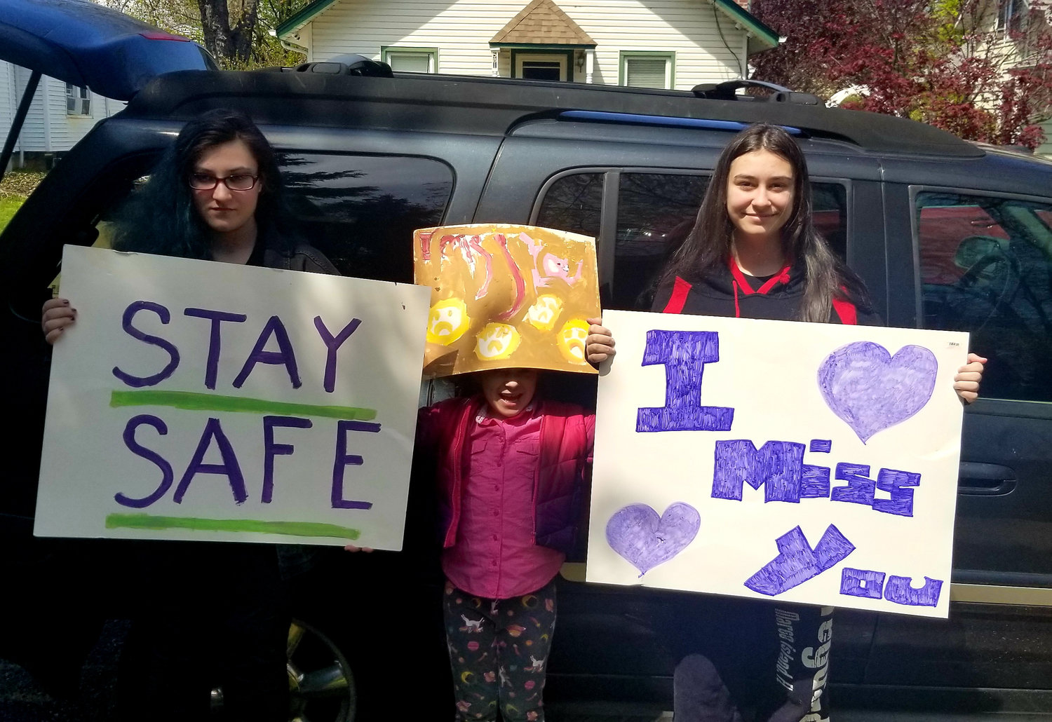 Baldwinites Heather, Rachel and Tori Ilardi joined Marie Ilardi in visiting family and friends from safe distances away last month.
