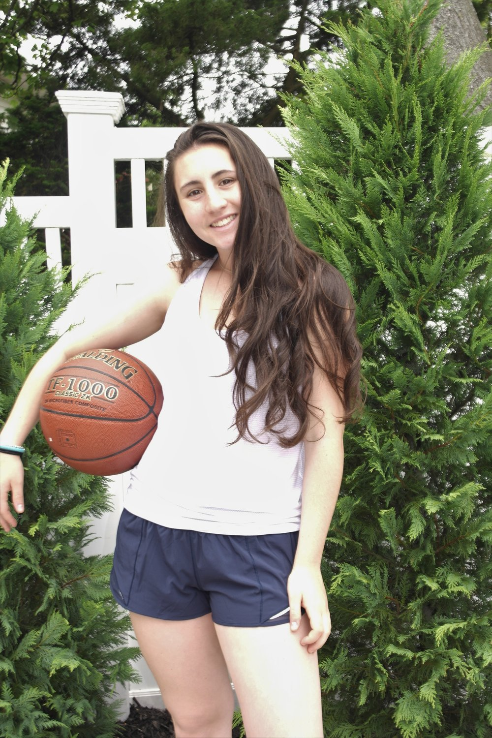 Sarah Klein is offering virtual basketball skill lessons and forwarding all donations to Island Harvest.