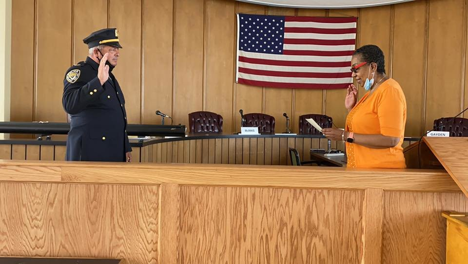 Veteran Long Beach Police officer Ed Ryan was sworn in by Interim City Manager, Donna Gayden.