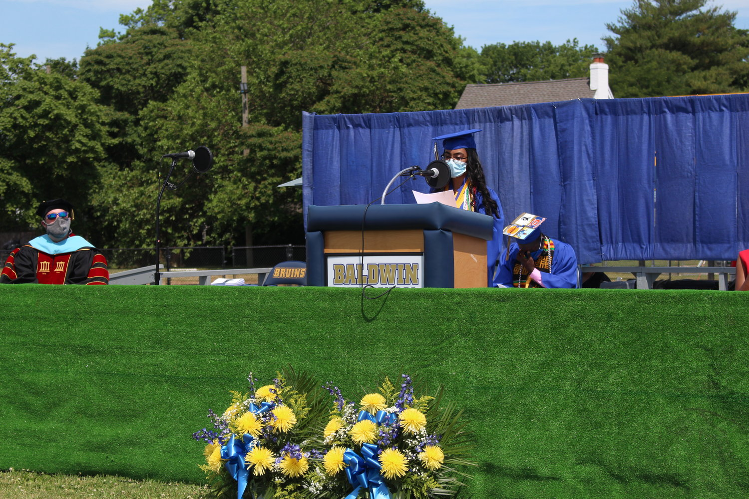 Class Salutatorian Chloe Saquing addressed the crowd.