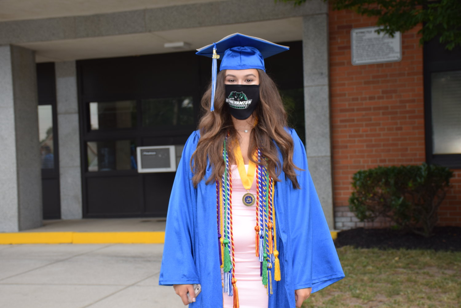 Denise Campanelli used her mask to indicate where she was going to college in the fall: Binghamton University.