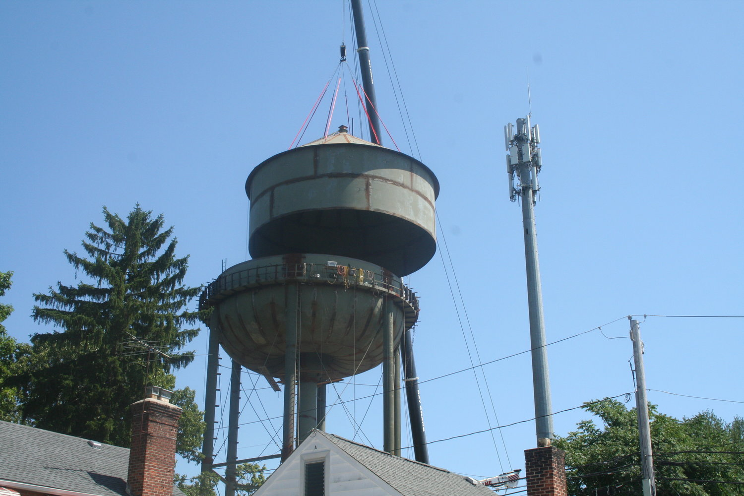 The new water tank in Glen Head replaces one that had sat atop the Dumond Place water tower for nearly a century.