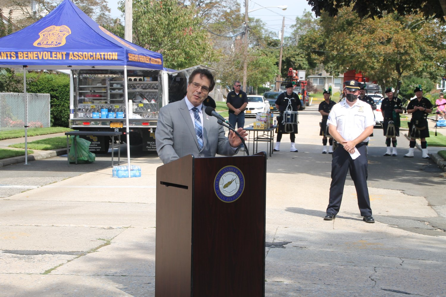 Lynbrook Mayor Alan Beach spoke at the ceremony.