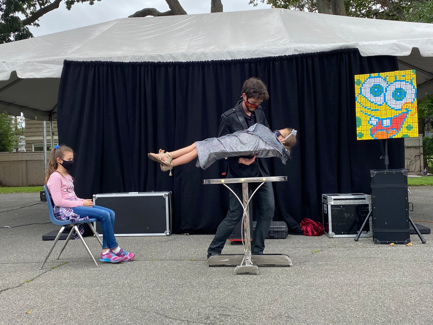 Woodmere native Eric Wilzig performed his magic at The Brandeis School welcome back celebration on Sept. 13.