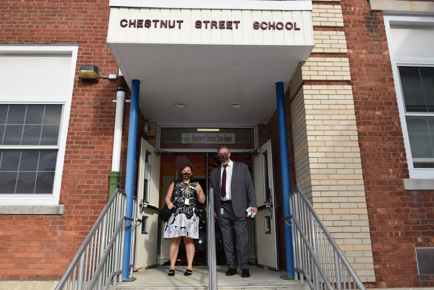 District Superintendent Dan Rehman and Chestnut Street School Principal Faith Tripp excitedly awaited the arrival of students.