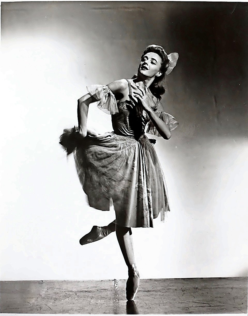 Nina Popova danced her way through life, whether it be on Broadway, television or world ballet tours.