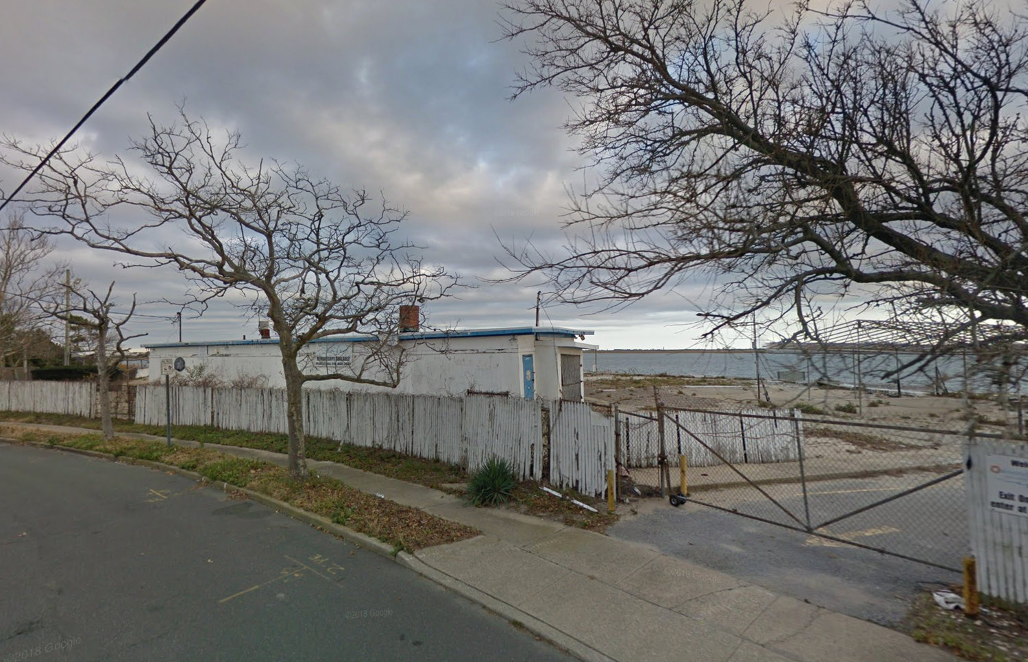 The once popular Oakwood Beach Club went up for auction on Oct. 14 but was not sold. Now community members are pursuing a plan to potentially turn the site into a park.
