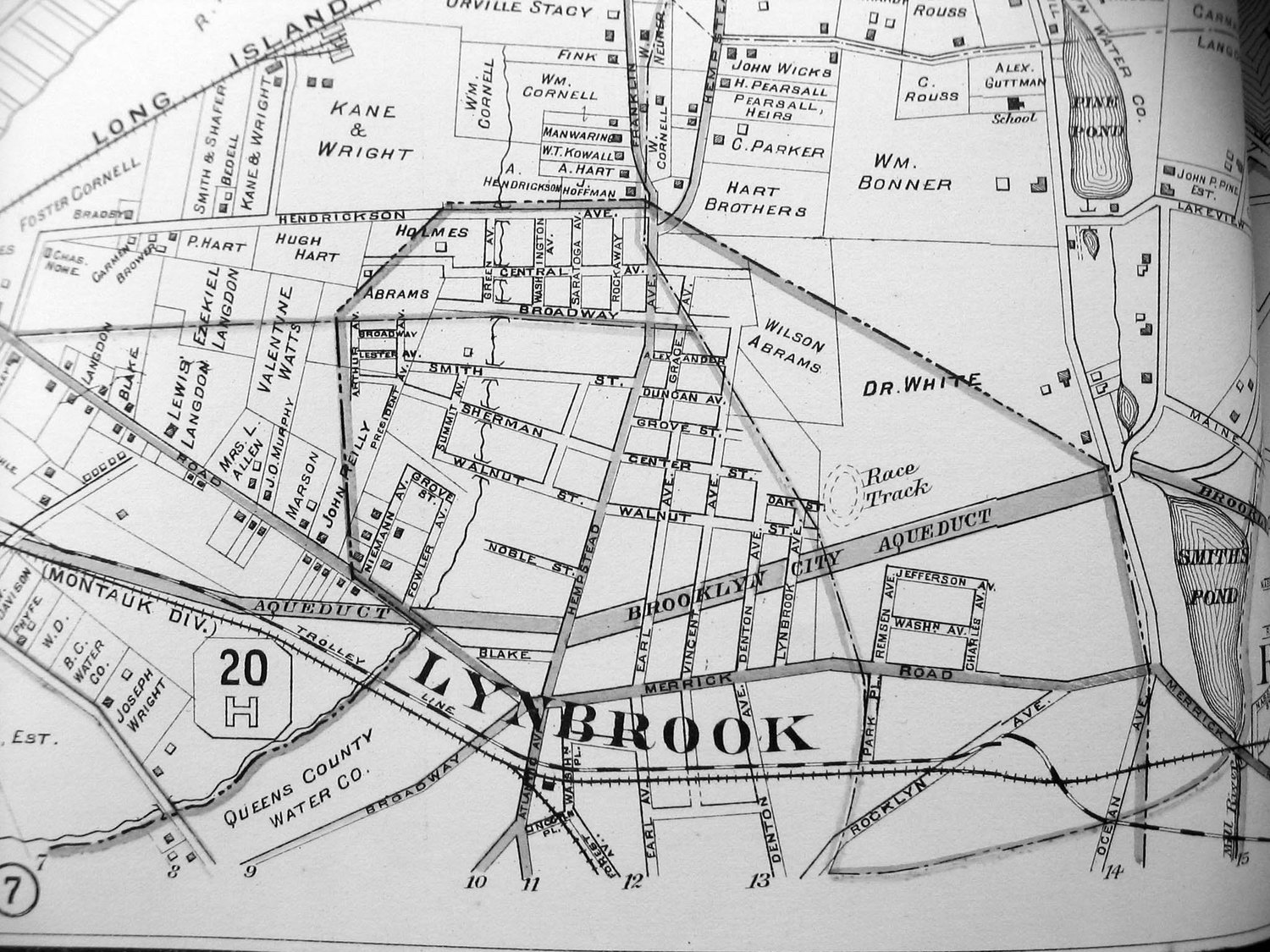Lynbrook's racetrack was adjacent to the Brooklyn City Aqueduct (Peninsula Boulevard today).