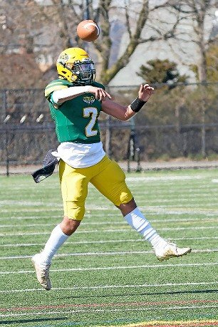 Senior quarterback Dante Quilca threw a pair of fourth-quarter touchdowns last Saturday but Lynbrook came up short against Roosevelt, 28-22.