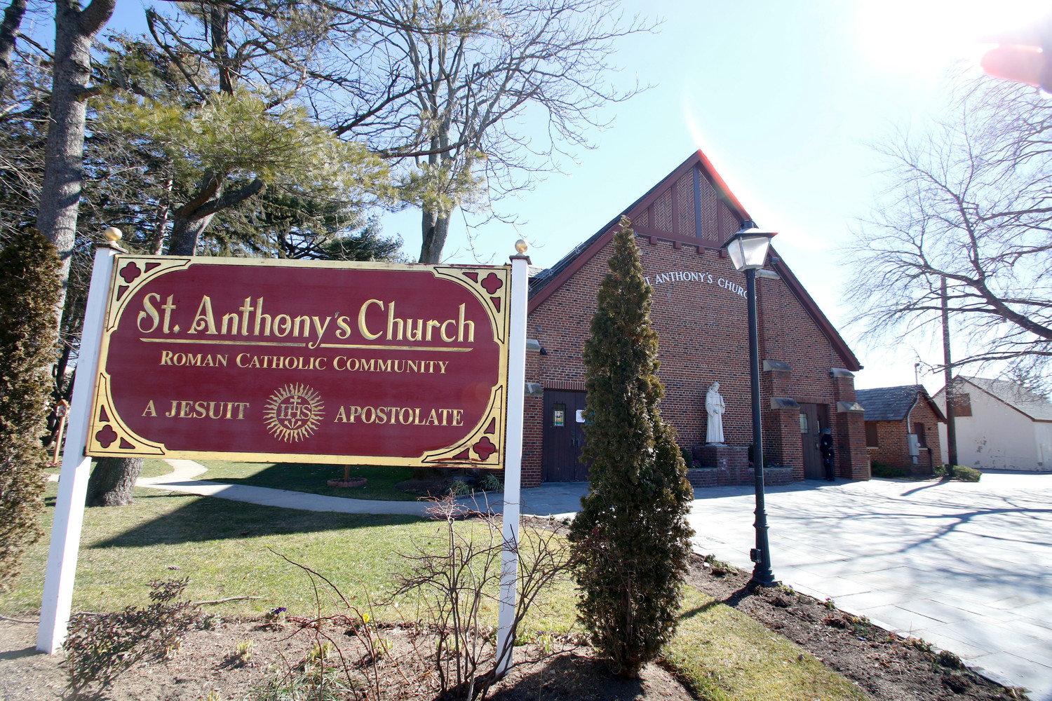 St. Anthony's Church's Fathers Club is partnering with The Wine Cellar to promote a virtual wine tasting event on April 24.