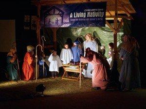 lving-nativity-03