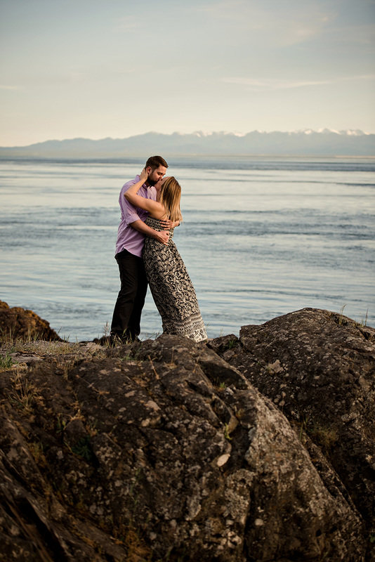 Allison and Garrett Engagement. Kelsey Michelle Photography. Pacific Coast Weddings magazine.