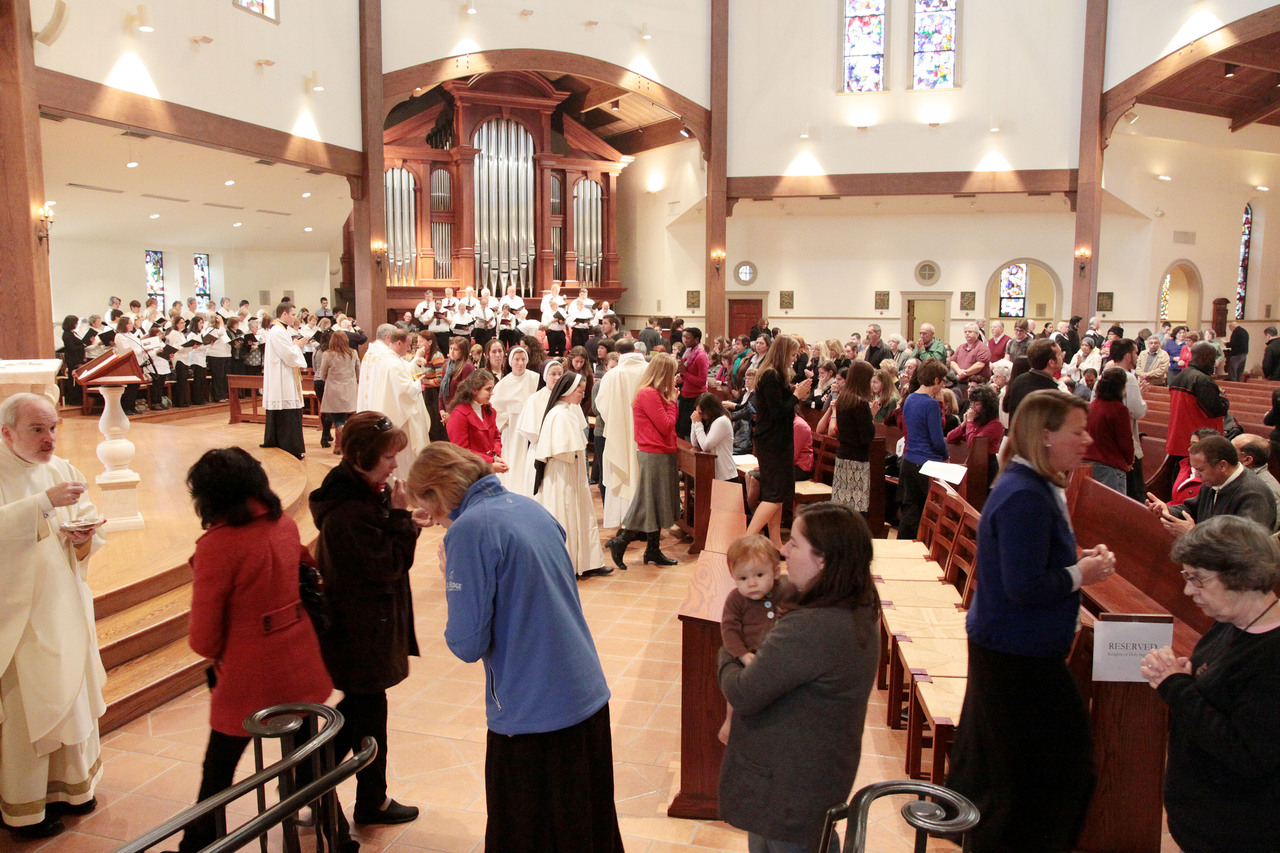 EUCHARISTIC CELEBRATION: The faithful receive holy Communion during Saturday?s closing Mass during the Eucharistic Congress, the concluding event celebrating the Year of Faith in the diocese.