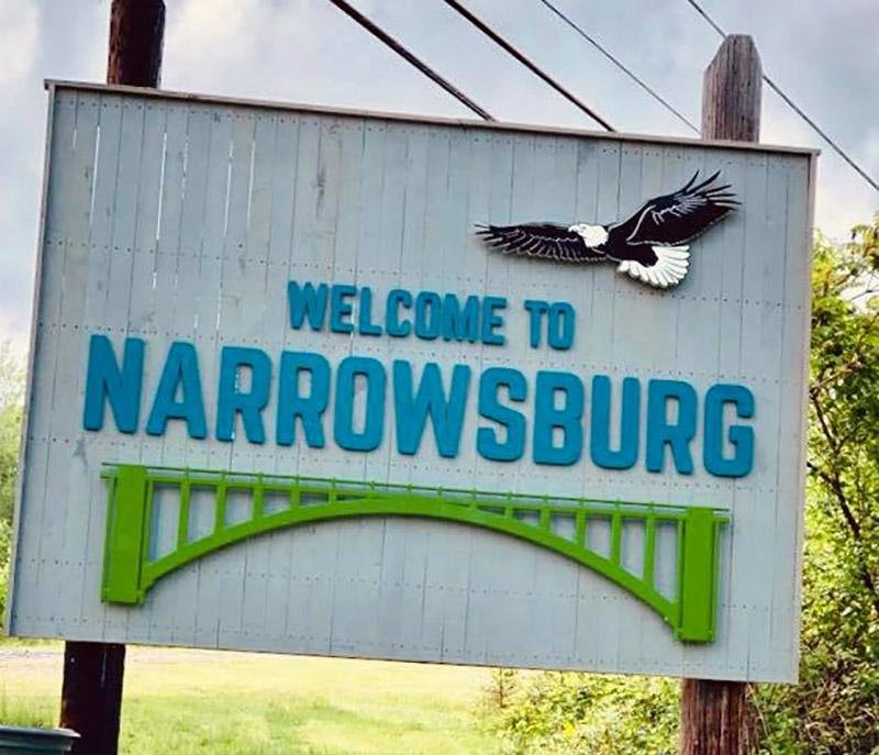 Thanks to local artist Brandi Merolla, the Narrowsburg sign got a fresh, yet retro, redesign in 2019.