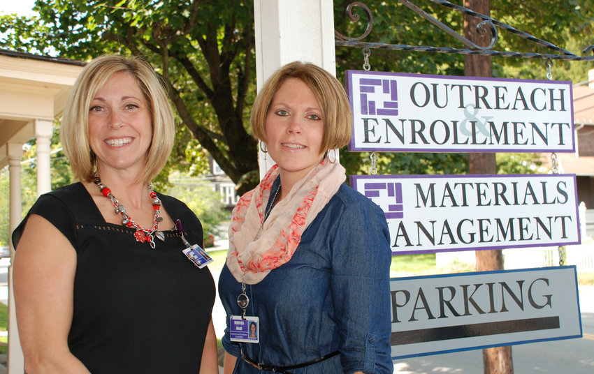 Laura Resti, left, and Rebecca Mead at Wayne Health's Outreach and Enrollment office.