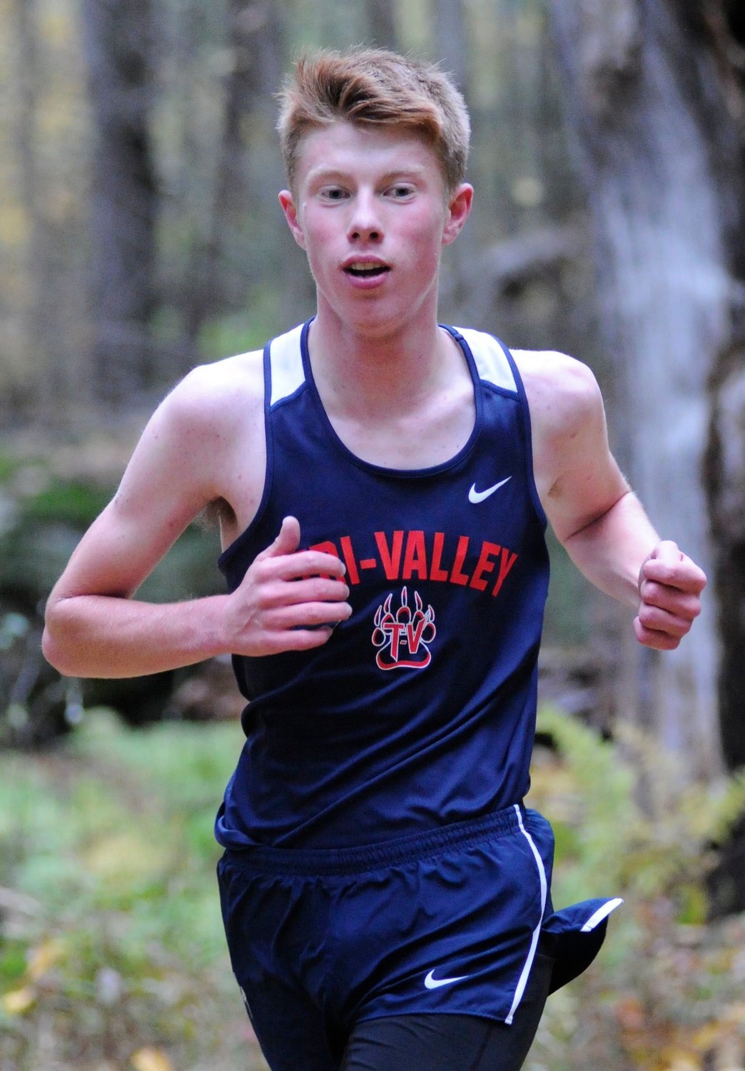 Daniel Rush of Tri-Valley posted the winning time of 18:05, 24 seconds ahead of Sullivan West's Bryce Maopolski's 18:29.
