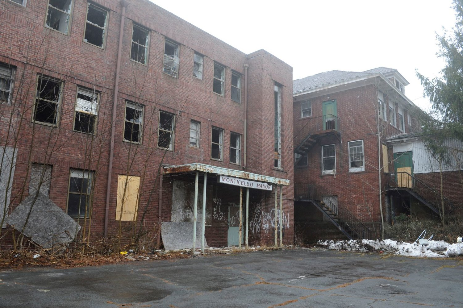 $500,000 grant will be used to clean up the brownfield site at Monticello Manor.