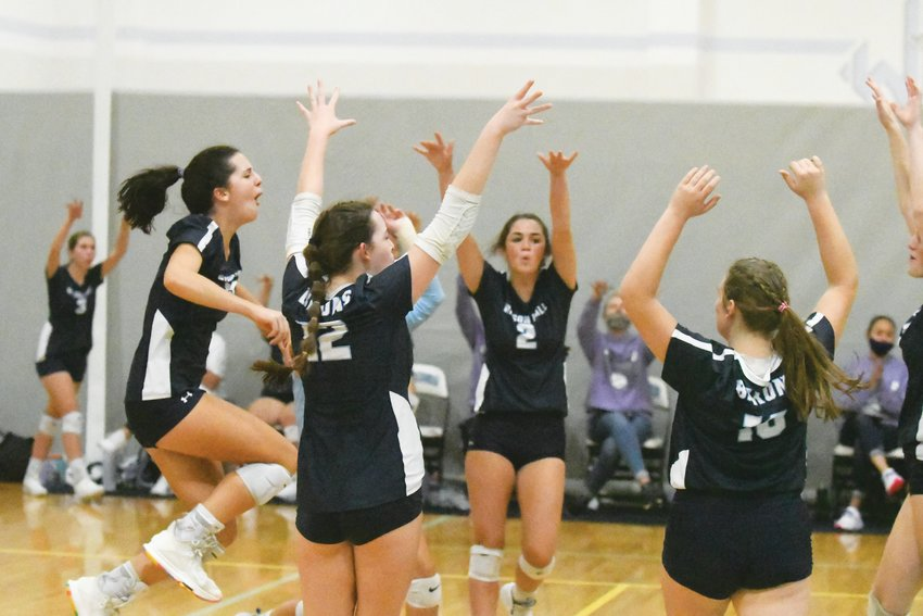 The Wilson Hall volleyball team advanced to the second day of the SCISA 3A state tournament with a pair of wins on Friday.