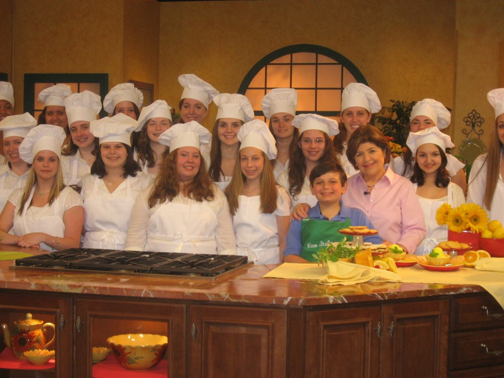 "ON?THE?SET:  The St. Mary Bay-View Academy Chamber Ensemble recently attended a local taping of the public television program Ciao Italia hosted by Mary Ann Esposito, pictured at right.  The singers performed ""Santa Lucia,"" a Neopolitan classic, during the taping."