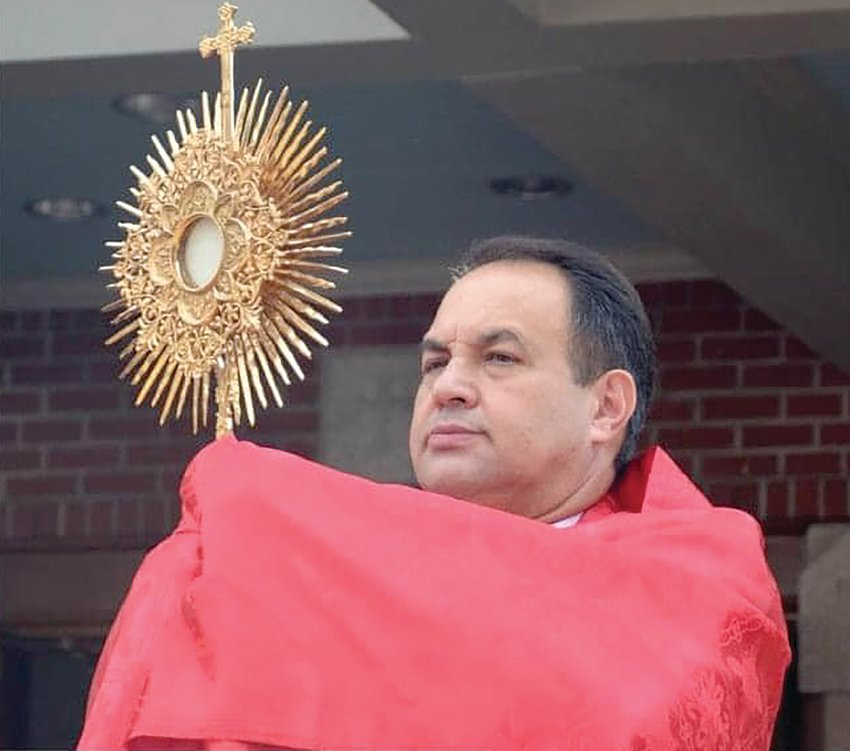 Father Marinaldo Batista, pastor of St. Elizabeth Church in Bristol, died from COVID-19 after being hospitalized since March 9 at the COVID ICU of Santa Casa de Campo Mourão, Brazil.